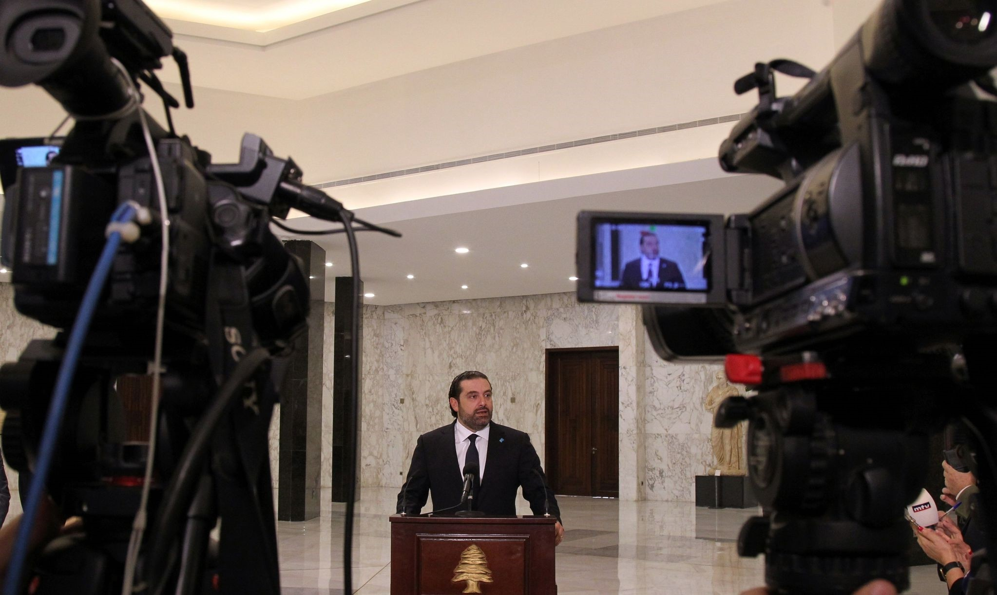 Lebanon's new Prime Minister Saad Hariri speaks to journalists following his nomination at the presidential palace in Baabda, near Beirut, on November 3, 2016. (AFP Photo)