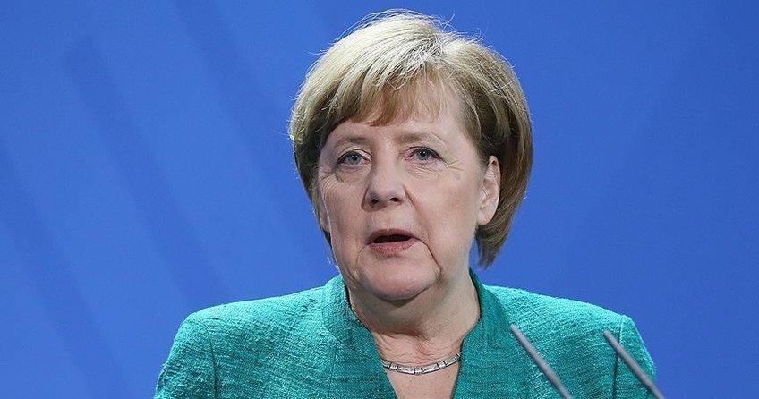 Merkel: İstikrarlı bir hükümet için bedel ödedik