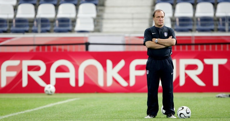 Istanbul football giants Fenerbahce are set to name the well travelled Dutch coach Dick Advocaat as their new manager following the sacking of Vitor Pereira  Reuters Photo