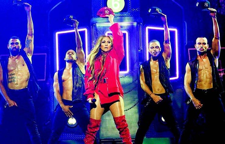 Jennifer Lopez, önceki gün doğum yeri olan New York'ta konser verdi.