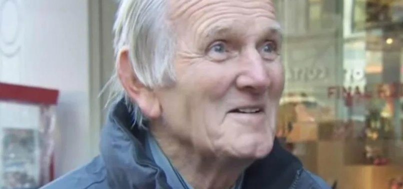LIVERPOOLS FLYING PIG LAWRENCE DIES AGED 77