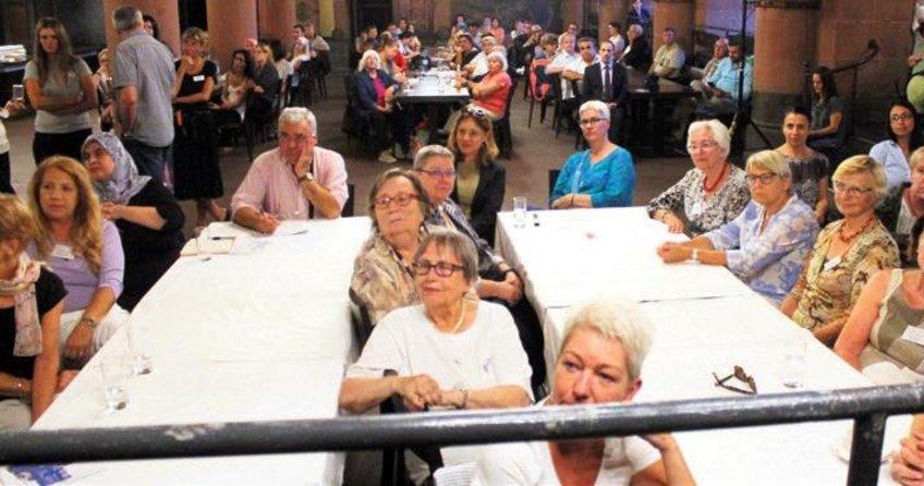 Yaşlı göçmenlere belediye desteği