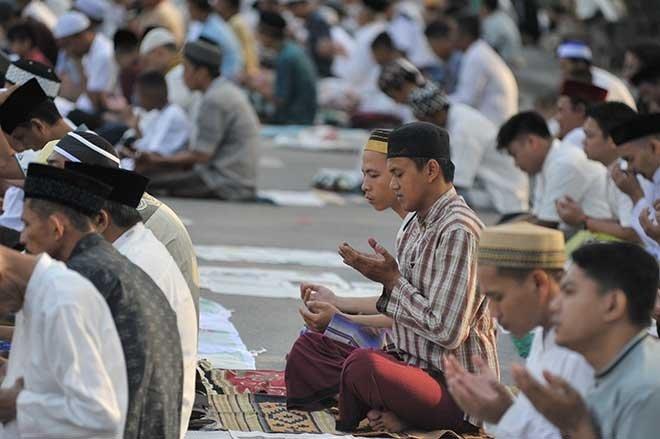 Dünyanın âfâkı 'Ramazan Bayramı'( 17 Haziran2018 )