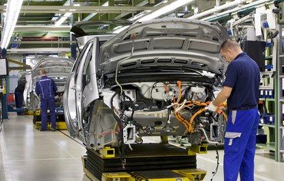 Otomobil ve hafif ticari araç pazarı Ağustosta %1.4 arttı