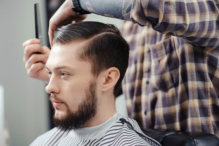 Erkeklerin yüz tipine uygun saç modeli!
