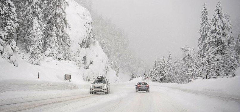HEAVY SNOW IN GERMANY, AUSTRIA CAUSES CHAOS FOR TRAVELERS