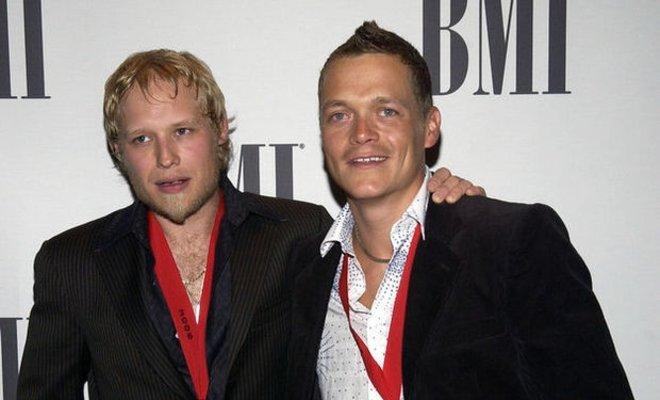 3 Doors Down'un eski gitaristi Matt Roberts hayatını kaybetti