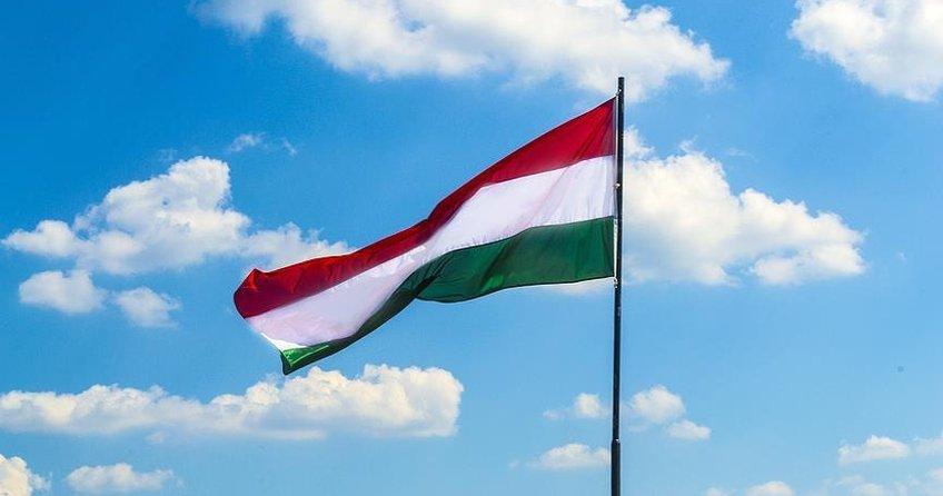 Macaristanda İslam karşıtı afişe tepki