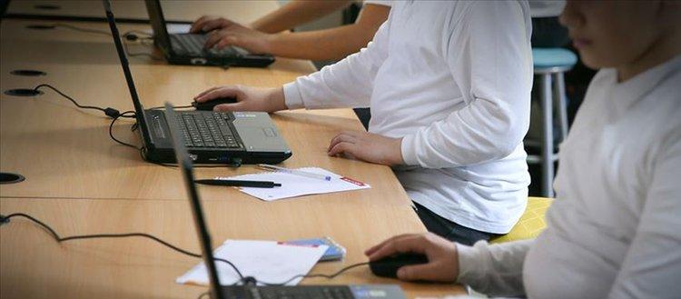 MEB okullarda yapay zeka eğitimi için kolları sıvadı