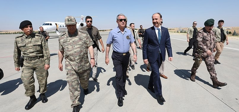 TURKISH DEFENSE MINISTER AKAR IN BORDER FOR SAFE ZONE