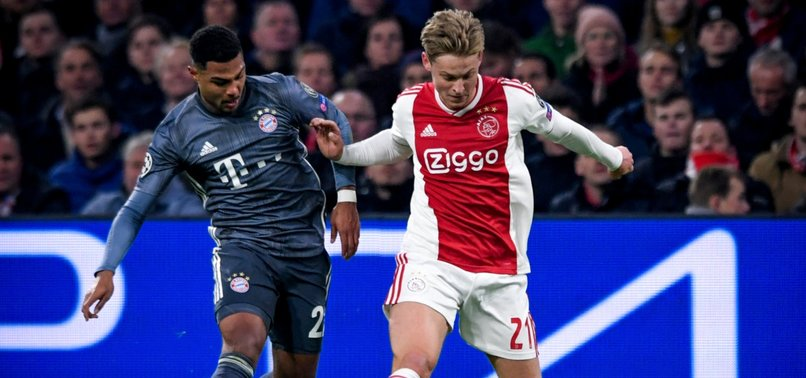BARCELONA SIGNS YOUNG DUTCH MIDFIELDER DE JONG FOR 75M EUROS