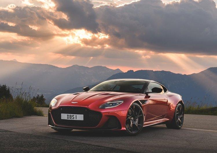 Yakın temas: Aston Martin DBS Superleggera