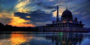 İslamın Üç Büyük Kahramanı