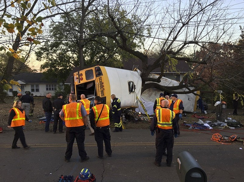 Chattanoogau00a0Fire Department personnel work the scene of a fatal elementary school bus crash inu00a0Chattanooga, Tenn., Monday, Nov. 21, 2016.(AP Photo)