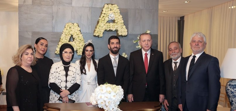 ARDA TURAN TIES THE KNOT LONG-TERM GIRLFRIEND DOĞAN IN PRIVATE CEREMONY