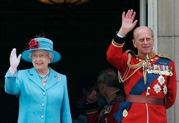 Prens Philip'in cenaze töreninde üniforma krizi!