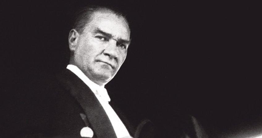 10 Kasım kompozisyonları ve kısa 10 Kasım şiirleri.10 Kasım Atatürk'ü anma şiirleri ve kompozisyon örnekleri