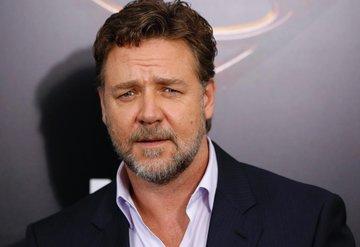 Russell Crowe şaşırttı!