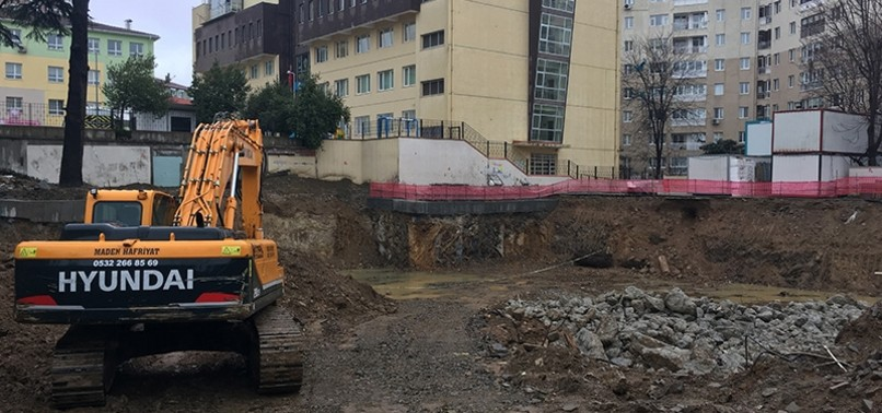 2,000-YEAR-OLD SARCOPHAGUS FOUND AT ISTANBUL HIGH SCHOOL CONSTRUCTION SITE