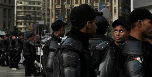 28 killed in gun attack on Coptic Christians in Egypt