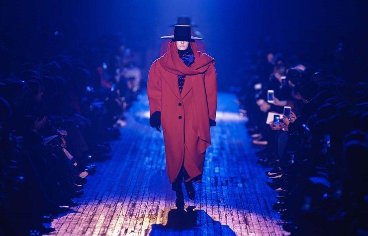Marc Jacobs Sonbahar/Kış 2018 koleksiyonu New York Moda Haftası kapsamında tanıtıldı.