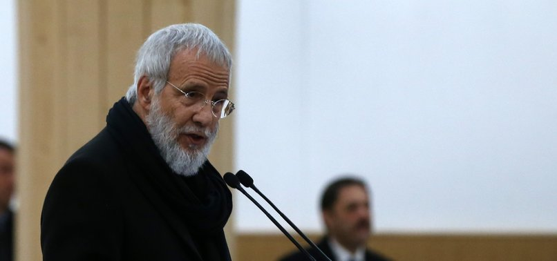 SINGER YUSUF ISLAMS MEDIA CONSULTANT CONVERTS TO ISLAM