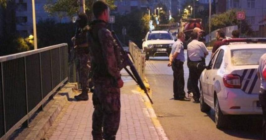 İstanbul'da polise alçak saldırı