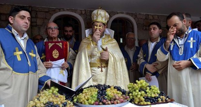 A festival peculiar to the Armenian community in rural Turkey offers an insight into the place religion has in the community and a taste of the first grapes of the season.br / br / In Vakıflı,...