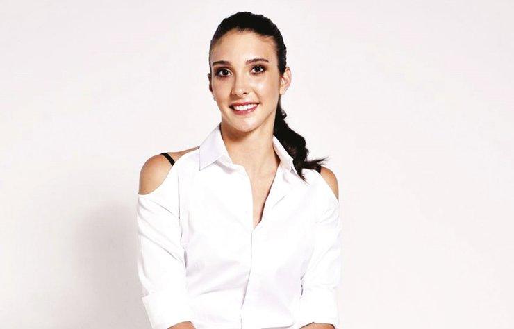 Milli voleybolcu Naz Aydemir Akyol, hayatından ilham alarak çocukların yaşamına dokunan Naz'dan Spora Pas kitap serisine imza attı.