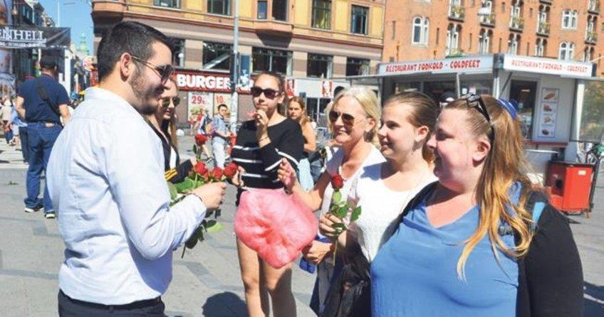 Danimarka'da İslam güllerle anlatıldı