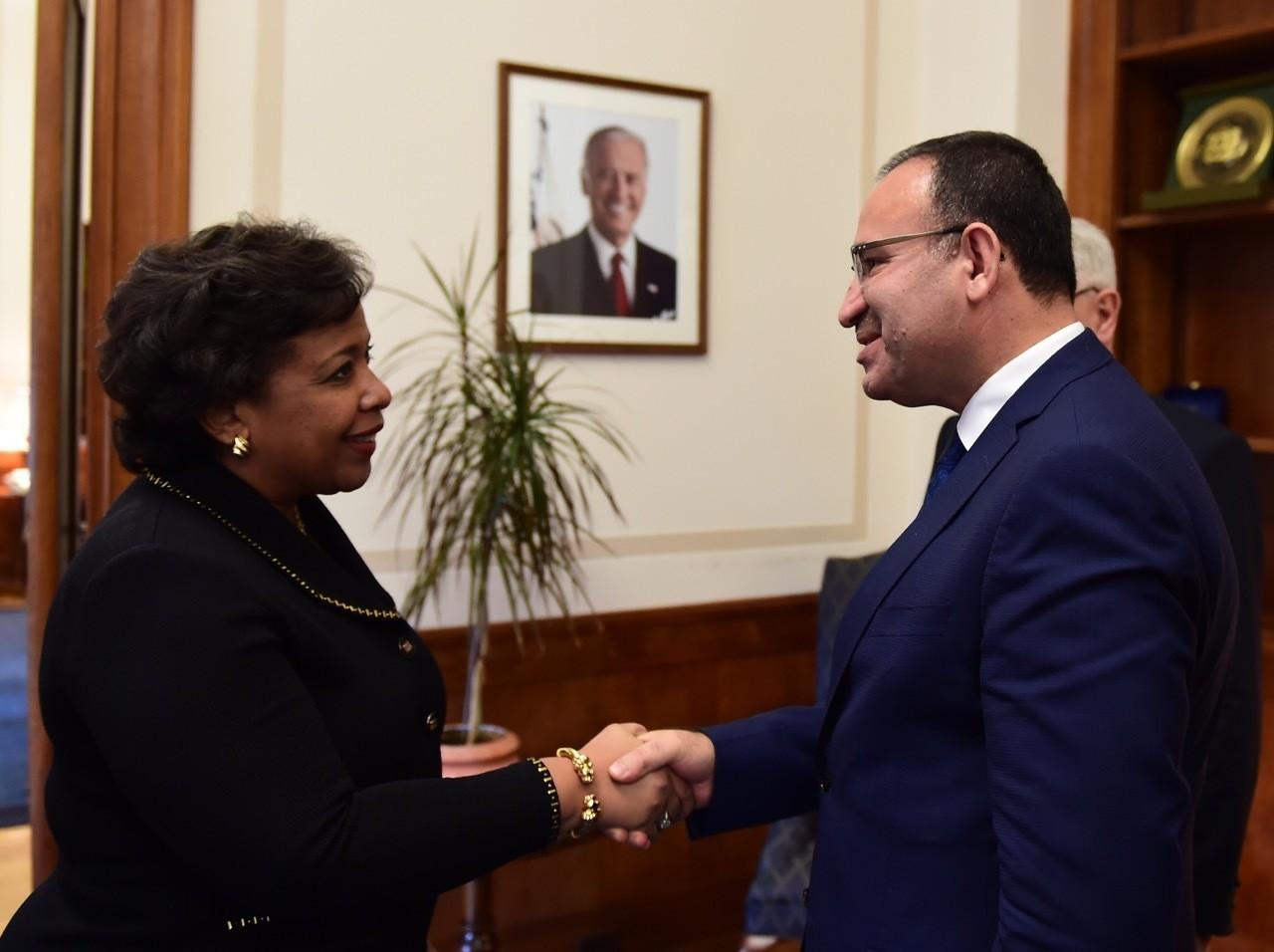 Justice Minister Bekir Bozdau011f (R) with his U.S. counterpart Attorney General Loretta Lynch