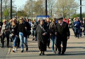 Almanya'da sandıkların kurulduğu 13 bölgeye Türk vatandaşları akın etti