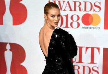 2018 BRIT Ödülleri kırmızı halı