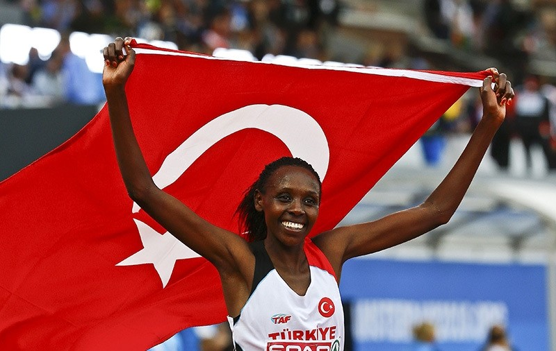 Turkey's Yasemin Can reacts after winning Women's 10,000 final at the European Athletics Championships in Amsterdam, Netherlands, July 6, 2016  (Reuters Photo)