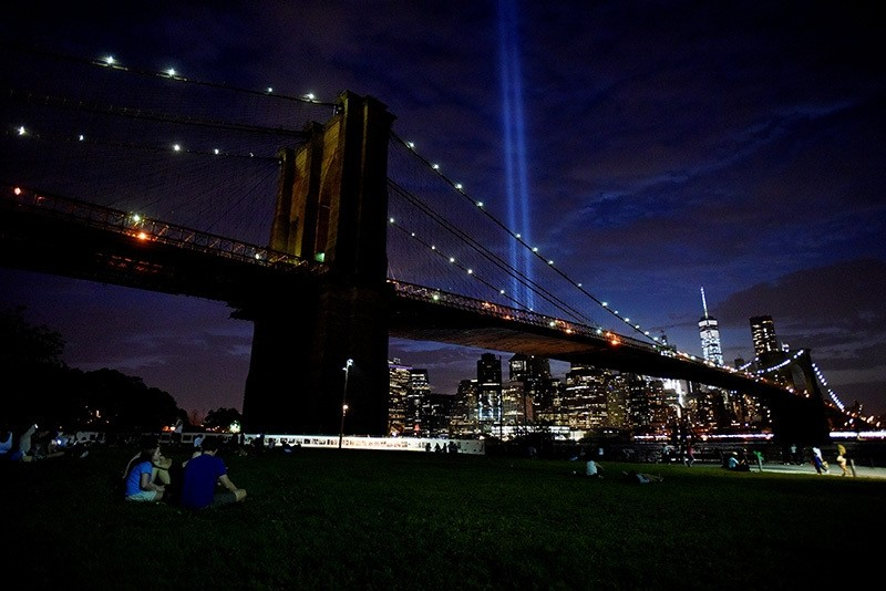 The Tribute in Light memorial is seen in the Manhattan skyline from Brooklyn Bridge Park in Brooklyn, New York, September 10, 2016. (Reuters Photo)