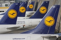 German airline Lufthansa says it has cancelled 876 flights ahead of a pilot strike scheduled to take place on Wednesday.