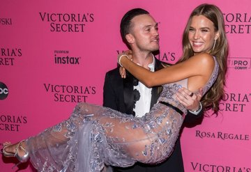 Victoria's Secret 2018 pembe halıya damga vuran isimler