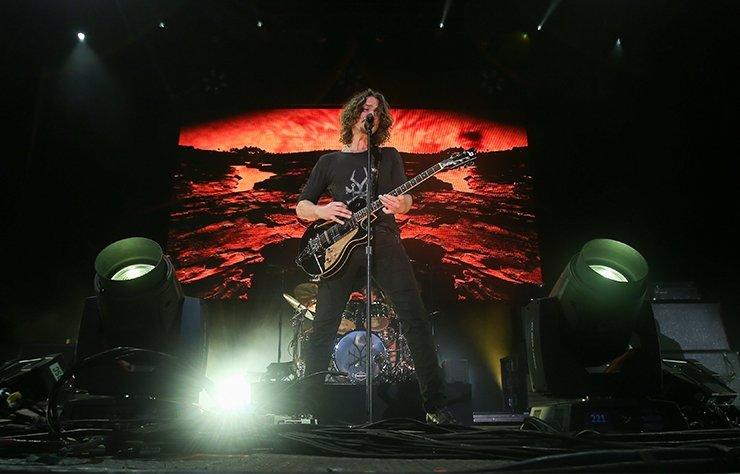 """Efsanevi müzisyen Chris Cornell'in temellerini attığı başarılı grunge rock grubu Soundgarden, """"Live from the Artists Den"""" isimli bir canlı albüm ve konser filmi hazırlıyor."""