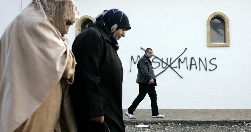 Fransa'da Müslümanlar dışlanıyor