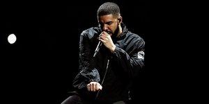 Drake Zirveyi Elden Bırakmıyor