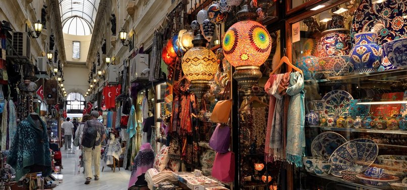 TOURISTS' SHOPPING IN TURKEY UP 70% IN FIRST 7 MONTHS