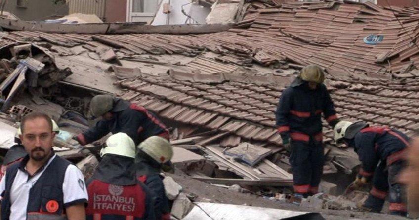 İstanbul Bağcılar'da bina çöktü