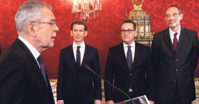 Avusturya'da ırkçı hükümet yemin etti