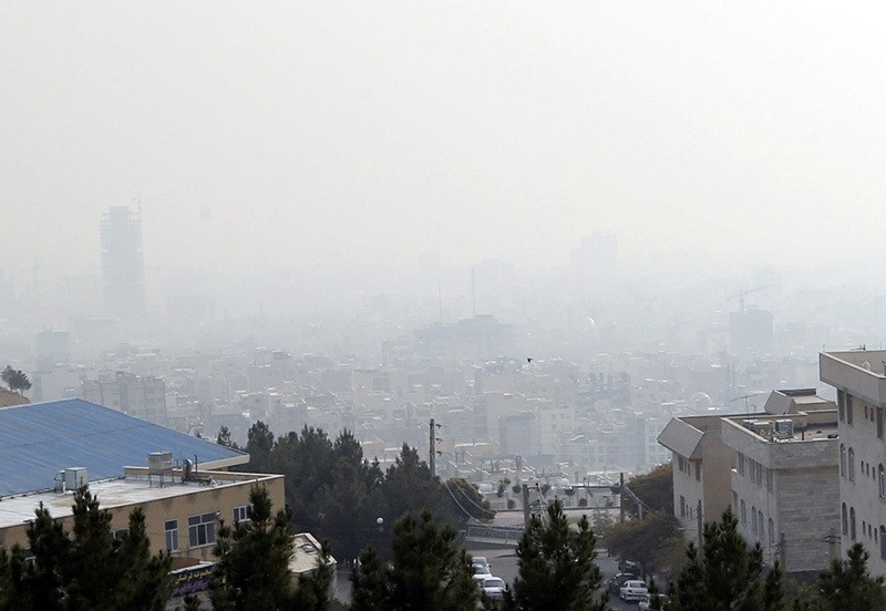 Smog obscures buildings in Tehran, Iran, 13 November 2016. Media reported about Tehran's air pollution, prompting the government to declare a one-day holiday schools in Tehran also they have warned elderly people to not go out for days. (EPA Photo)