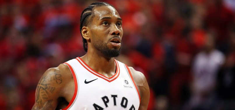 KAWHI LEONARD TO SIGN WITH LA CLIPPERS