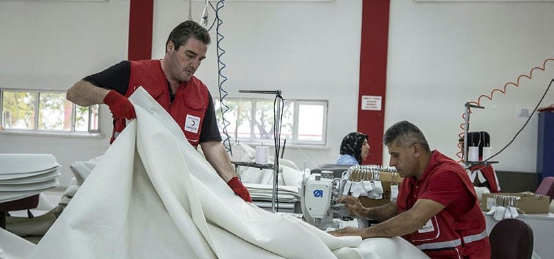 TURKISH RED CRESCENT MAKING 8,000 TENTS FOR UN