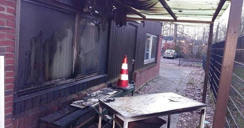 Hollandada cami kundaklandı