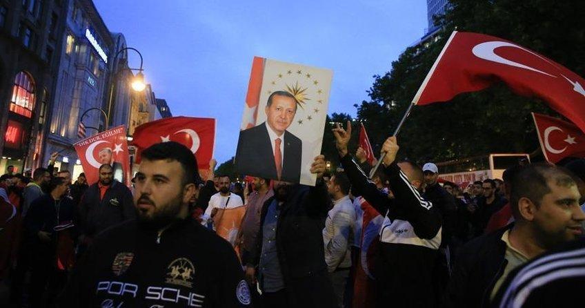 Türkler Erdoğan'ı heyecanla bekliyor
