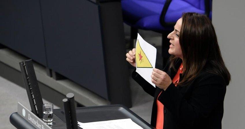 Sevim Dağdelen Alman anayasasına muhalefet etti