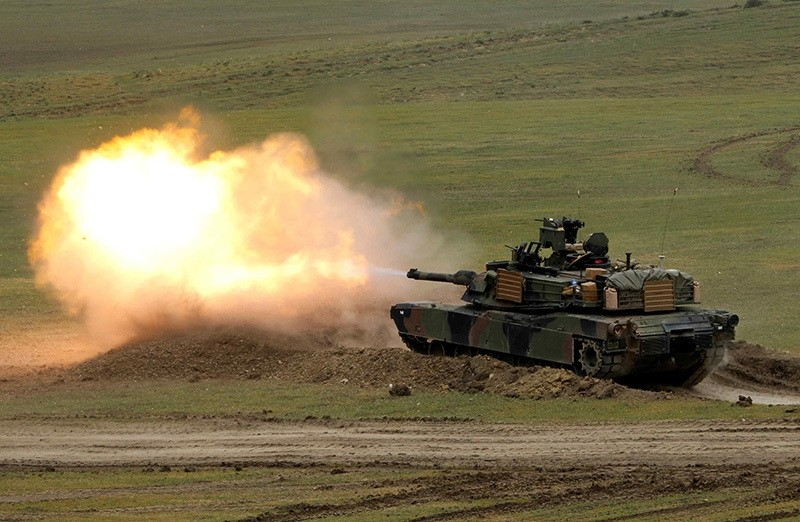 U.S. M1A2 ,Abrams, tank fires during U.S. led joint military exercise ,Noble Partner 2016, near Vaziani, Georgia, May 18, 2016 (Reuters Photo)